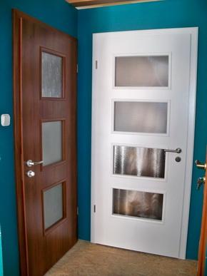 Ablak és ajtóminták a nagytétényi bemutatóteremben