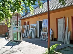 Áronház - ujpesti ablak ajtó mintabolt