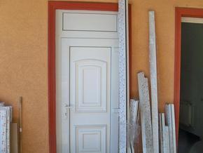 Kiállított ablak és ajtó minták